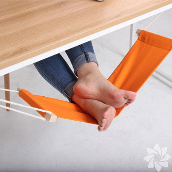Ofiste ev konforu yaşatacak, hayat kolaylaştıran bu ürünleri çok seveceksiniz.  Masa altı ayak hamaklığı