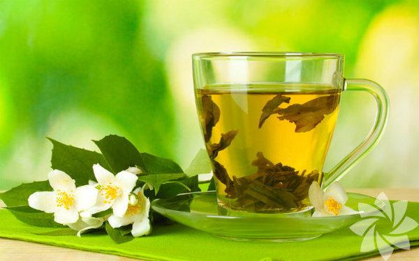 Yeşil çay Metabolizma hızını artıran yeşil çay göbek yağlarınızı yakar.