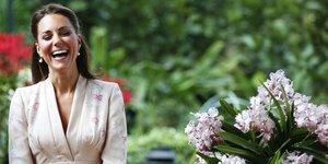 Cambridge Düşesi Kate Middleton mercek altında...