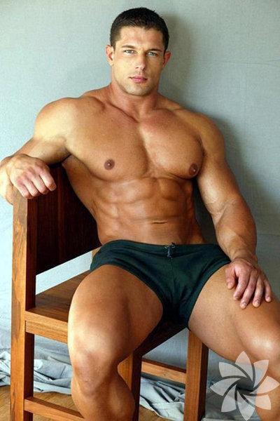 Мускулистые мужики голые 111