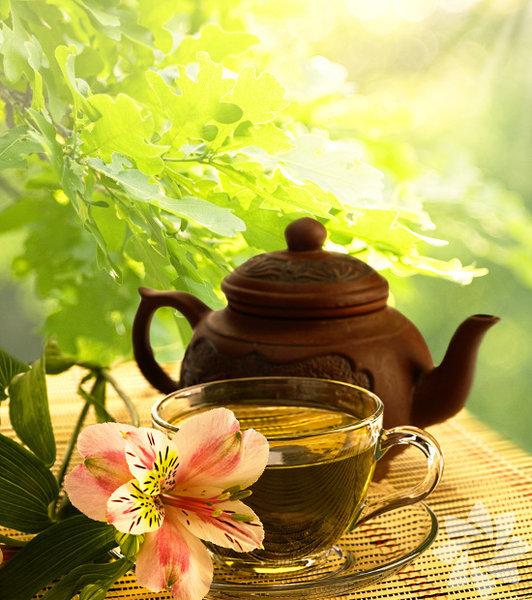 Metabolizmayı hızlandıran çay 1 tatlı kaşığı dağ kekiği 1 tatlı kaşığı biberiye 1 tatlı kaşığı yeşil çay 1 tatlı kaşığı mate çayı 1 tatlı kaşığı funda yaprağı  Yapılışı: Bütün malzemeleri, sıcak suda yarım saat bekletin. Üzerine yarım litre soğuk su ilave ederek limon dilimleriyle karıştırın. Metabolizmanızı hızlandıran çayınız hazır!