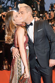Robbie Williams ve eşi Ayda Field da Cannes'da