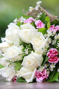 Buket çiçeklere nasıl bakılır?