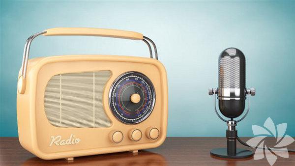 Yataktan kalkmaya yeltendiğiniz an başucunuzda duran minik radyonuzu hemen açın ve müzikle başlayın güne.