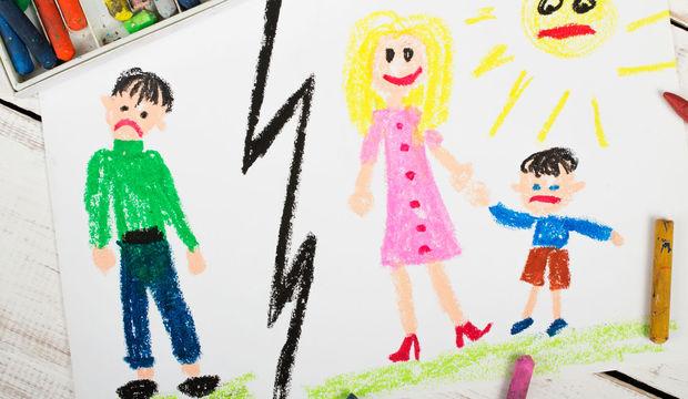 Boşanmış çiftlerin çocuklarının yaşadığı mücadeleler