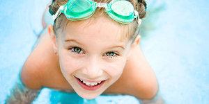 Havuz keyfi, çocukların dişlerine malolmasın