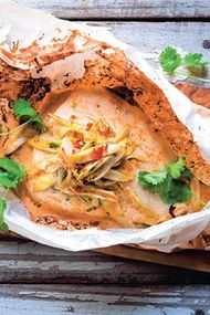 Thai usulü buharda pişmiş balık