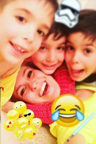 Gülben Ergen'in çocuklarıyla eğlenceli 100 karesi