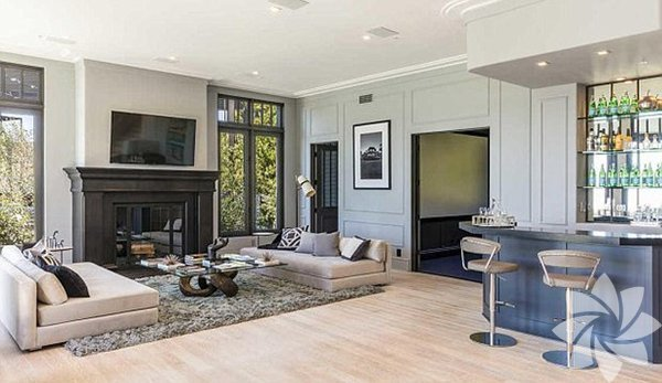 Reality yıldızı, Beverly Hills'te yer alan saray yavrusu için aylık 125 bin doları (yaklaşık 448 bin TL) gözden çıkardı.