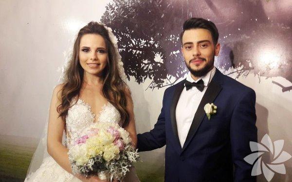 Şubat ayında Tuğba Beyazoğlu ile nişanlanan Rüzgar Erkoçlar'ın düğünü dün gerçekleşti.