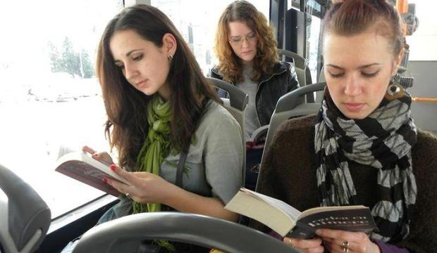 Kitap okuyana otobüs bedava!