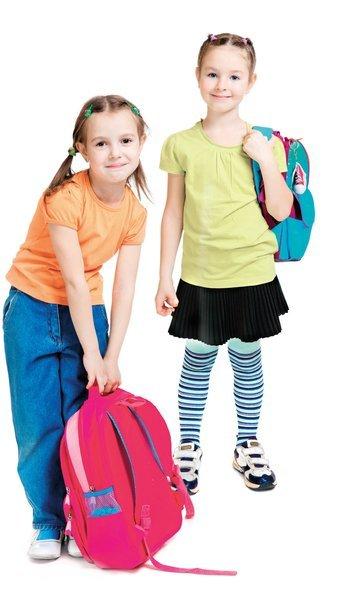 Keyifli ve enerjik bir yazın ardından, okula dönüş zamanı geldi çattı. Okul hazırlıkları sürüyor. Bu yıl kampüs modasında renkli, enerjik ve parçalar gözde. Her daim rahat, kendine güvenli ve havalı olmayı hedefleyen gençler, pratik ve her stile uyum sağlayan bir sezona hazır olsun. Yılın favori parçaları neler, merak ediyorsanız işte trend listemiz... Tüm öğrencilere yeni eğitim öğretim yılında başarılar.