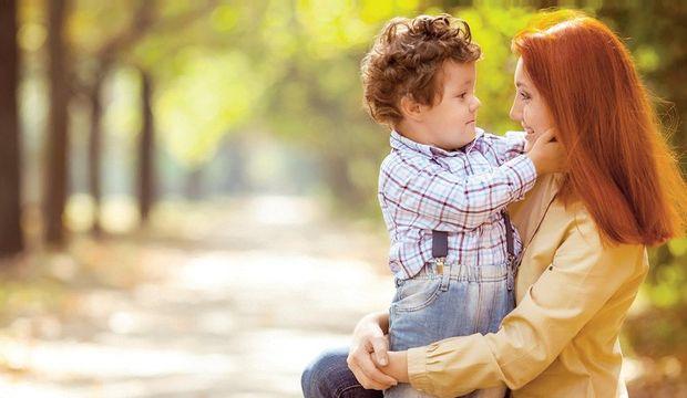 Çocuğunuzu övmenin türlü yolları!