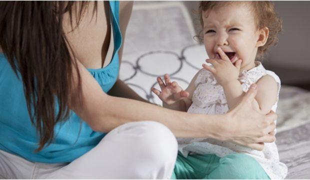 Bebeğinizin ağlamasını durduracak 10 hamle