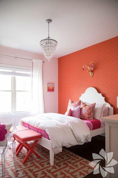 Yatak odanızı beyaz ve bej tonlarından kurtarmanın zamanı gelmedi mi?