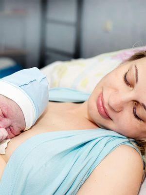 Doğum sonrası anne bebek birlikteliğinin faydaları