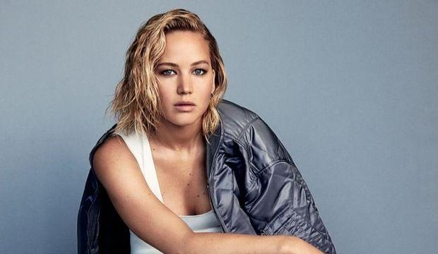 Jennifer Lawrence Glamour dergisine poz verdi