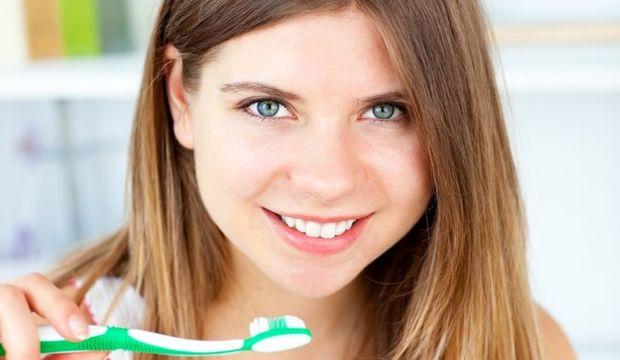 Güzellik ritüelinizde diş fırçası kullanımı