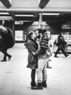 Sokakta aşk başkadır!