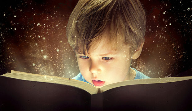 Çocuğunuz için evin her yerine kitap koyun