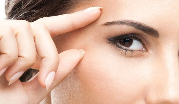Göz çevresini ışık dolgusu ile yenilemek mümkün