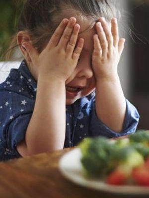Yemeyen çocuğunuzla inatlaşmayın