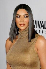 Kim Kardashian ne giyiyor?