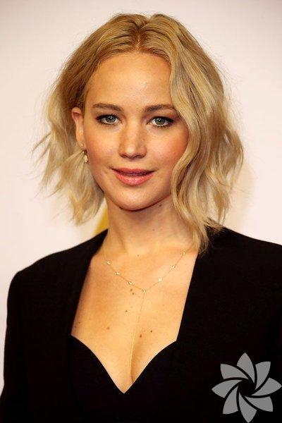 Kızlar için kısa saç kesimi: mükemmel bir seçim