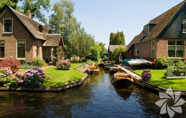 Giethoorn, Hollanda'da Overijssel eyaletinde bir köydür.