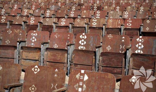 Terkedilmiş sinema salonu, Sinai Çölü