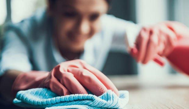Ev temizlerken yapılabilecek en iğrenç 25 hata
