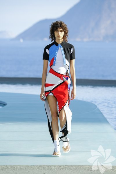 <p>Louis Vuitton Resort 2017</p>