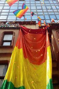 LGBT Onur Yürüyüşü bu kez 'dağıldı'