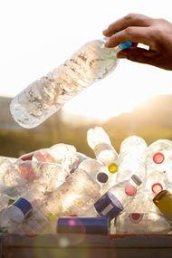Plastiklerin altında yazan numaralara dikkat!
