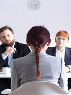 İş görüşmeleri için makyaj ve kıyafet tüyoları