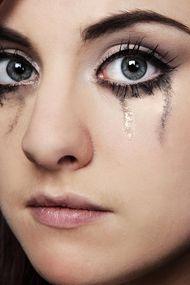 Başımızın belası: Makyaj kazaları