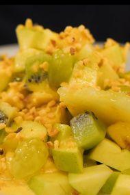 Sabayon soslu meyve salatası