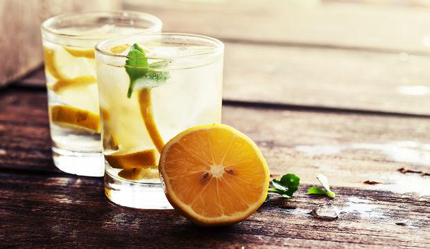 Bu 15 hastalıktan birine sahipseniz limonlu su için