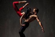 Ölüm ve aşk kokan dans figürleri