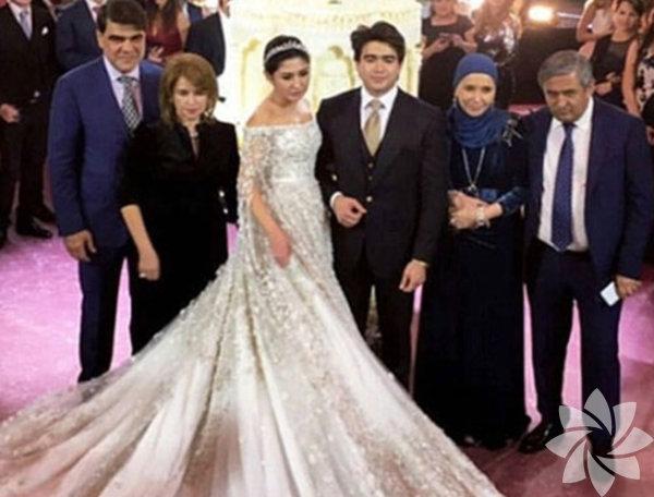 Rusya'da Özbek asıllı petrol milyarderlerinden İlkhom Shokirova'nın kızı Madina ile nişanlısı Sador, başkent Moskova'daki Radisson Royal Congress Park Otel'de görkemli bir düğünle dünya evine girdi.