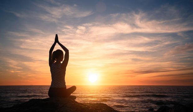 Sabahları yoga yapmak için 14 harika neden