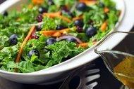 Yabanmersinli cevizli havuç salatası