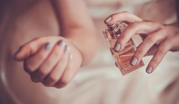 Kalıcı parfümün sırrı: Göbek deliği