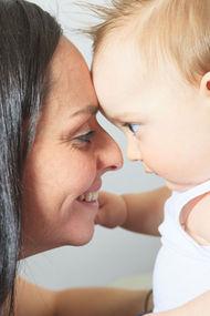 Çocuğunuzu dinlerken göz teması kurun!