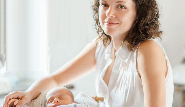Yeni anneye emzirme desteği vermenin yolları