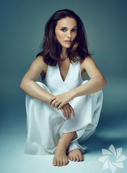 Natalie Portman gerçek ismi, Natali Herşlag olan güzel oyuncu 9 Haziran 1981 yılında Kudüs, İsrail'de doğdu.