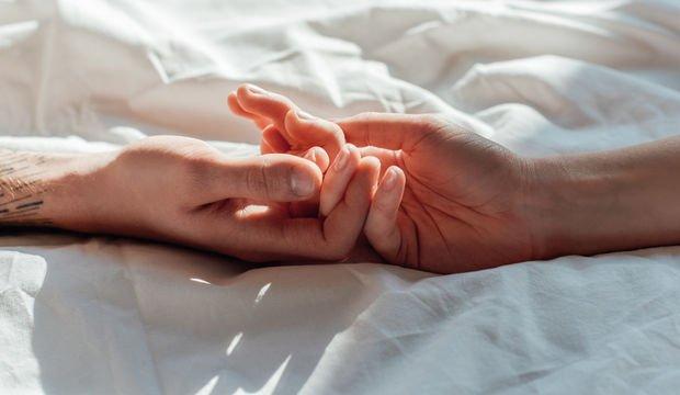 Aşkı taze tutmak için ayda beş saat yetiyor