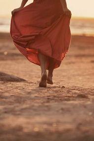 Güçlü kadınları yürüşünden tanırsınız!