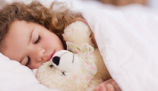Uyku sorunu olan çocuk öğrenme ve dikkat problemi yaşıyor