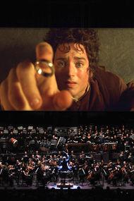 Yüzüğün peşine orkestrayla düşüyoruz